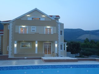 Newly built Villa with Large  private pool