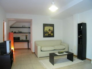 B178 Ample, luminous apartment with patio in  Belgrano buenos aires vacation ren