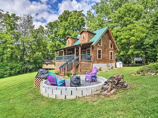 Maggie Valley Family Cabin w/ Porch & Fire Pit!