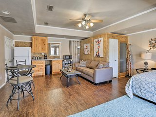 NEW! Granbury Studio- 10 Mins From Town+the Lake!