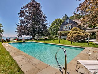 NEW-Bayfront Niantic Home w/Private Beach & Pool
