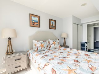 Simply Comfort. Marine Dream in Downtown 1bd+den