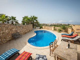 Bezger 1, Triq it Tigrija Nadur Gozo with Private Pool and View