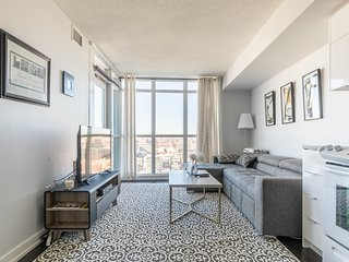 Simply Comfort. UV DISINFECTION Glamorous Downtown Condo. 29Floor