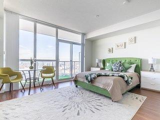 Simply Comfort. Amazing 43 Floor View Studio