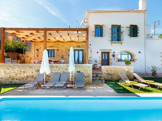 Stone villa, comfortable, pool, relaxing