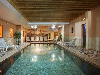Appartement confortable < skis aux pieds > | Piscine + Sauna sur place