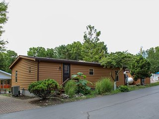 Island Club Rental Home at Put-in-Bay. 3 BR 2 BA and easily Sleeps up to 8