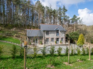 Bwthyn yr Ardd - Wisteria Cottage