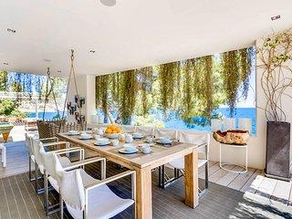 Es Cubells Villa Sleeps 12 with Pool and Air Con - 5811087