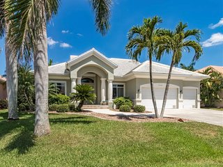 Waterfront living in Punta Gorda Isles w/Amaizng sunset views from the pool!
