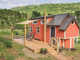Redbud - Tiny House with Views of Lookout Mountain