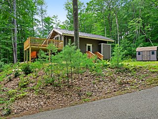 Spacious, family-friendly home w/river views & deck!