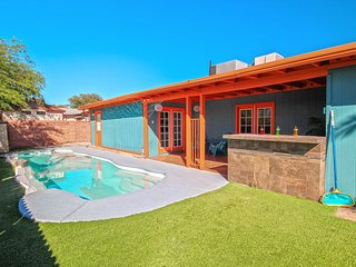 * FULLY REMODELED * POOL * GATED RV * NEXT TO BIKE PATH * CLOSE TO GOLF COURSE *