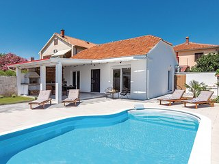 Amazing home in Betina w/ Outdoor swimming pool, WiFi and 2 Bedrooms
