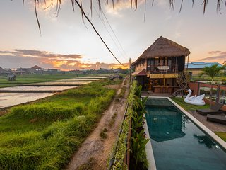 Villa Jade By Dawn - Sunrise Sunset Rice Field Mountain Views