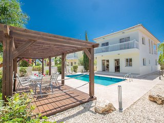 Hara Nissi Villa with private pool in the center of Ayia Napa