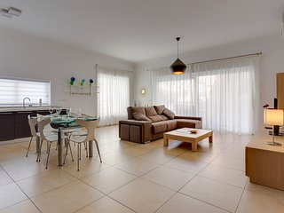 SUPERB APARTMENT IN FORT CAMBRIDGE WITH POOL