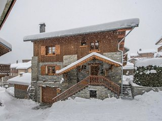 Chalet Le Houx, Amazing newly renovated 8/9 bed chalet in Meribel