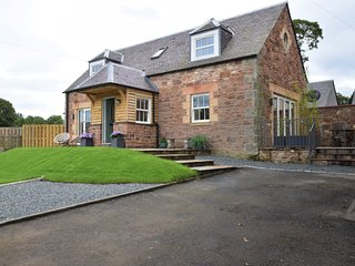 76383 Cottage situated in Peebles (7.5mls NW)