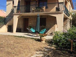 MAISON pour 8 personnes avec deux appartements independants sur deux niveaux.