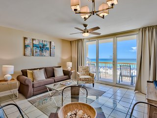 Beachfront at Pelican, Upscale, Ocean View, Pools, Beach Chairs, Wifi, Netflix