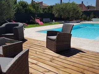 Villa 8 personnes avec piscine privee et chauffee, entre mer et Gorges du Verdon