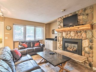 NEW! Slopeside Boyne Mtn. Condo, 3Mi to Deer Lake!