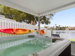 3/2 lake House With Hot Tub Near Hard Rock Casino