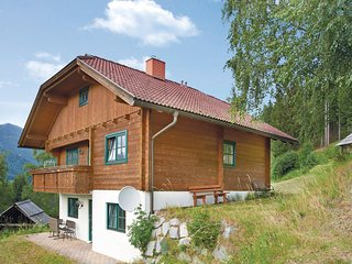 Awesome home in Radenthein w/ 3 Bedrooms