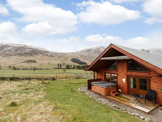 76364 Log Cabin situated in Kirriemuir (13 mls N)