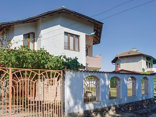 Stunning home in Krapets w/ WiFi and 3 Bedrooms