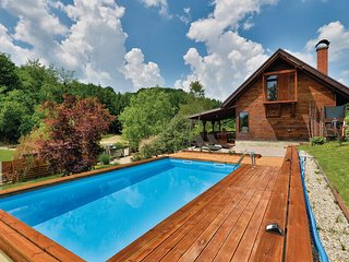 Amazing home in Seketin w/ Outdoor swimming pool, Sauna and 2 Bedrooms