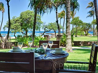 Villa 102 Beach Level Studio Direct Ocean Views!