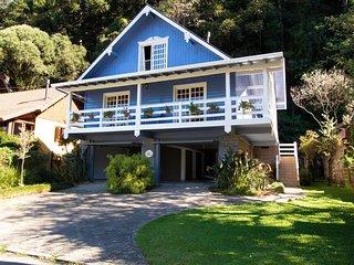 Casa Azul do Lago – Sua familia no clima da Serra Gaucha! Casa Azul do Lago