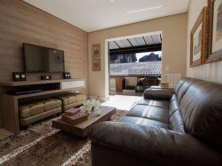 Milao - Lindo, confortavel e aconchegante, na Borges – Centro de Gramado. Milao