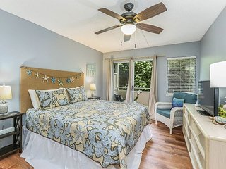 PLANTATION HALE SUITES B6, NEAR SHOPS, RESTAURANTS, BEACHES, AC IN UNIT