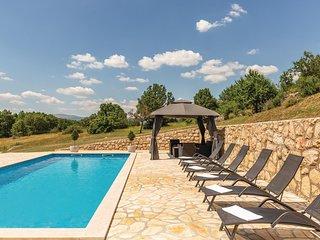 Amazing home in Vinjani Gornji w/ WiFi and 6 Bedrooms