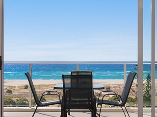 Kirra Surf 508 - Enjoy Kirra beachfront luxury