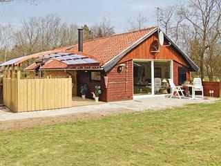 Amazing home in Hemmet w/ Sauna and 3 Bedrooms