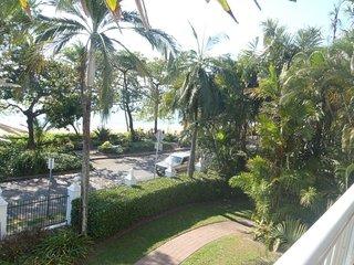 Beachview * Trinity Beach
