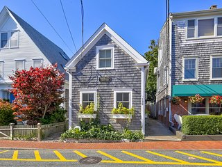 Iconic, fully renovated cottage w/ garden patio - steps to beach & downtown!