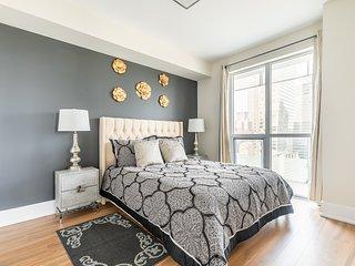 Simply Comfort. Luxury 2bd 2bath Condo Royal View