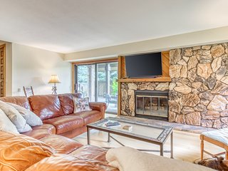 Newly-renovated condo w/ access to shared amenities - close to Dollar Mountain!