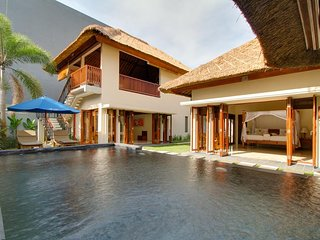 Two Bedroom Villa with Private Pool - Breakfast Beach Front Jimbaran
