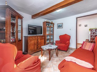 Beautiful home in Premantura w/ WiFi and 2 Bedrooms