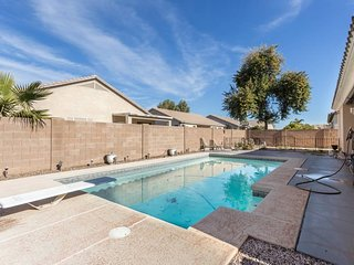 Refresh in Private Pool! Great for Families - Prime AZ Location. Golfer Ready