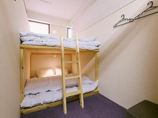 Private rooms & Shared Toilets & bathrooms(Gofuku)