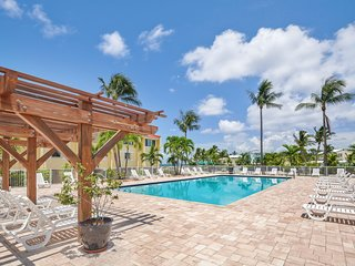 Spacious, oceanfront condo w/ ocean views, shared pool & dock! Tennis on-site!
