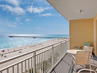 Modern beach view condo w/ shared pool & fitness center - walk to the beach!
